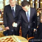 greitųjų šachmatų 2011 m. Lietuvos čempionatas, simbolinis pirmasis Kirsan Nikolayevich Ilyumzhinov ėjimas
